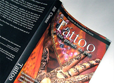 The Tattoo Artist Portuguese Cover